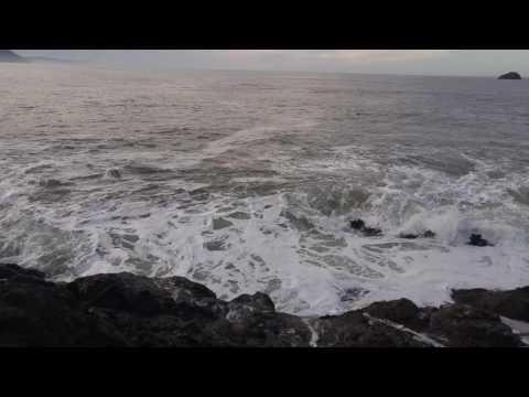 Whalers Island waves crashing into rocks