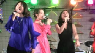 ベトナムフェスティバル2017 初日のエンディングです、フォンチーも歌っ...