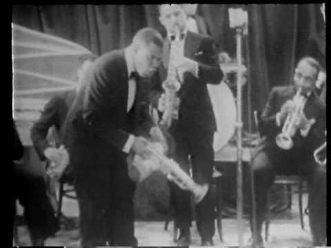 """Louis Armstrong """"Dinah"""" 1933"""