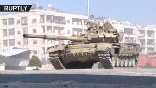 Танки сирийской армии обстреливают позиции боевиков в Алеппо