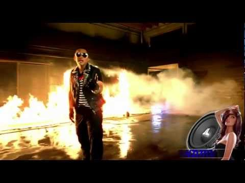 Daddy Yankee ft. Prince Royce - Ven Conmigo [Official Music Video]