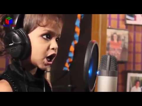 cute little girl sing a song  'Dil hai chhota sa,chhoti si Aasha