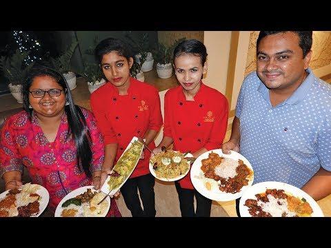 490 രൂപയ്ക്ക് കൊച്ചിയിൽ Unlimited Food @ Trivium Restaurant, Marine Drive Ernakulam