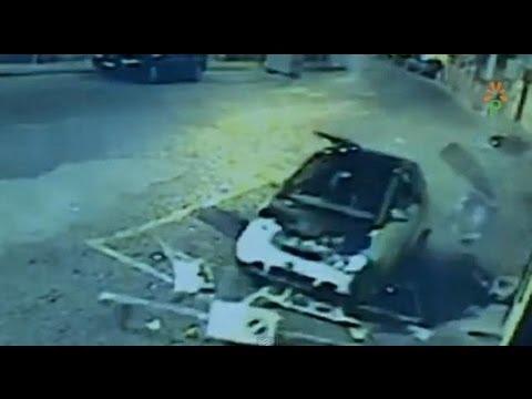 Napoli - Rapinatori uccisi in via Posillipo, il filmato dello scontro -1- (05.09.13)