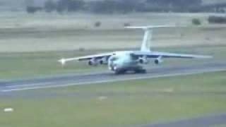 Ilyushin Il-76 using allll the runway