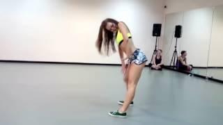 Танец TWERK очень сексуально и красиво Тверкинг