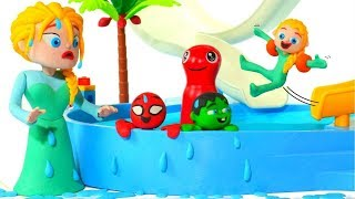 KIDS HAVING FUN AT THE WATER PARK ❤ SUPERHERO PLAY DOH CARTOONS FOR KIDS