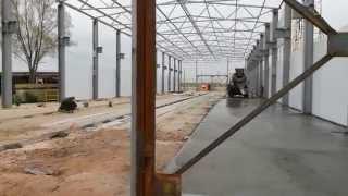 Строительство быстровозводимых зданий из сэндвич-панелей(На данном видео описывается монтаж сэндвич-панелей и устройство монолитного пола из бетона М300., 2015-02-27T19:48:08.000Z)