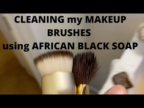 CLEANING My  MAKEUP BRUSHES Using AFRICAN BLACK SOAP | HelenasQueendom