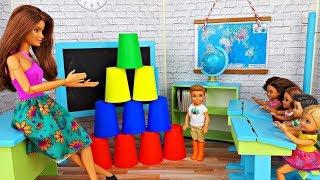 Челлендж НА УРОКЕ или ПЯТЕРКА ПРОСТО ТАК ! Играем с куклами Барби в Школе l Элла Тв Шоу