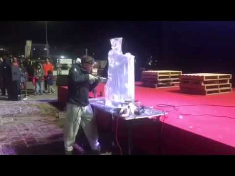 Ice Agency Ice Sculpture Ice Carving Ice Show - Olaf  Frozen- Doha Qatar