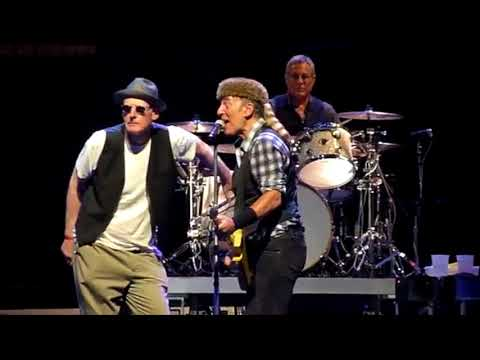 Bruce Springsteen Brown Eyed Girl w/Official Audio Adelaide 2017