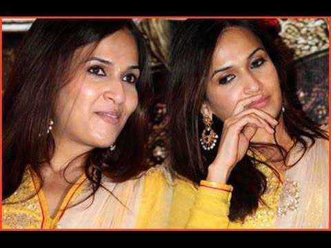 Baby Shower Event for Rajinikanth's Daughter Soundarya
