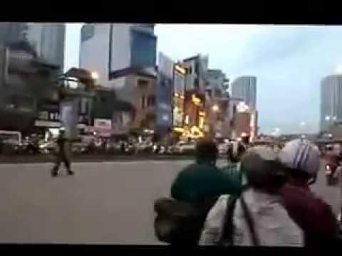 Nghẹt thở bắt ngáo đá ở ngã 4 sở Hà Nội - Bản full 16 phút