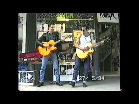 Scott Kempner How can a poor boy stand such time and live unplugged