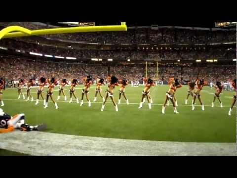 Denver Broncos - Cheerleaders Perform