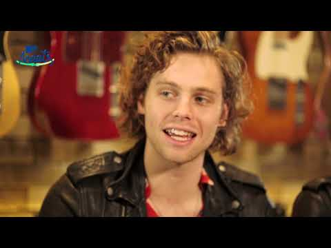 How well do 5 Seconds Of Summer know each other? (MTV Meets interview)