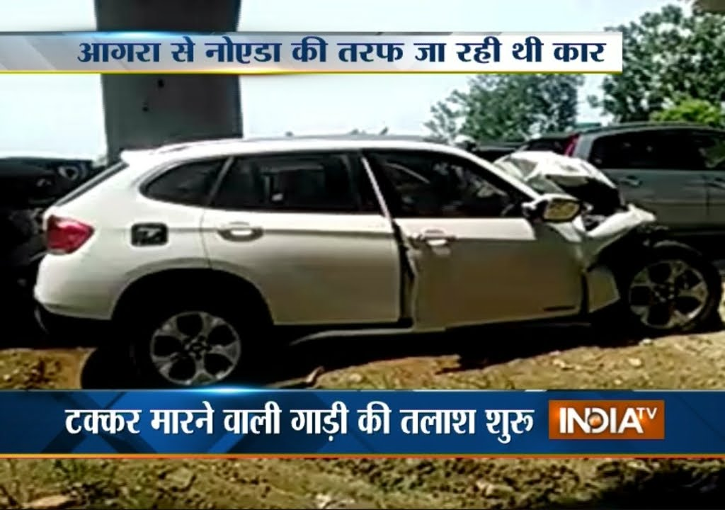 3 Youths Died In Bmw Crash On Yamuna Expressway India Tv Youtube