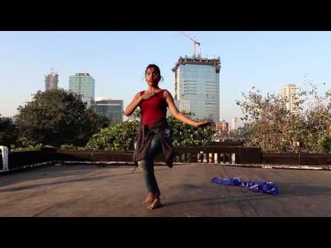 Vajle Ki Bara And Hichki Marathi Lavni Dance Video.