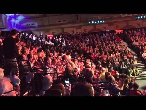 2015 Masters Snooker Robertson and O'Sullivan entrance