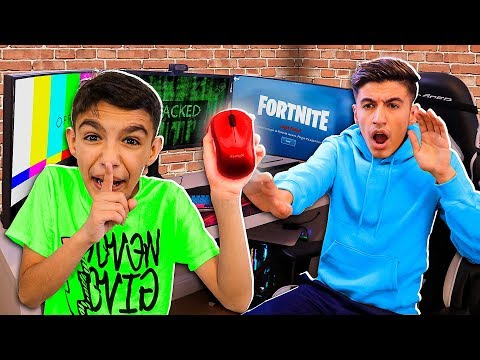 Wireless Mouse Prank Hack On Me Playing Fortnite! (Little Brother)