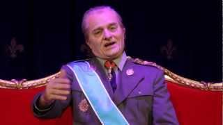 'La familia irreal' arriba al Teatre Victòria