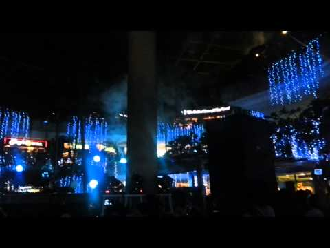 TriNoma's Merry Musical  Light Show