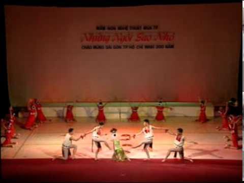 Múa Hoi Cong Chieng Tay Nguyen