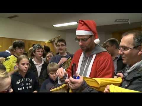 Santa Kloppo on Tour! BVB verteilt Weihnachtsgeschenke! - SPORT1