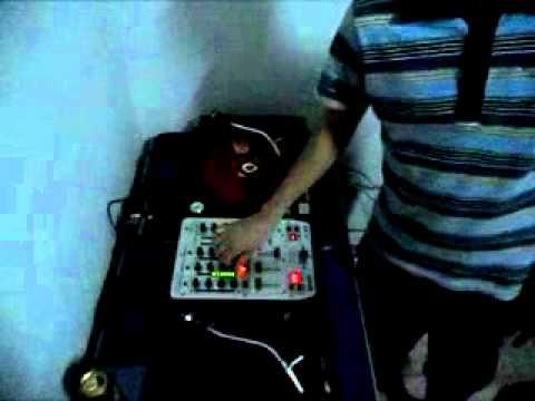 DJ Alessandro Medeiros B2B DJ Lucas Tanzi 04.09.11