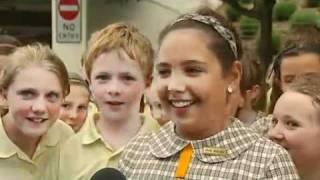 Obama lands in Canberra