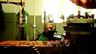 Съемка с вращающегося шпинделя токарного станка