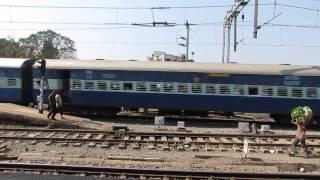 11065 Lokmanya Tilak Terminus Darbhanga Pawan Express with ET WAP 4 # 22967