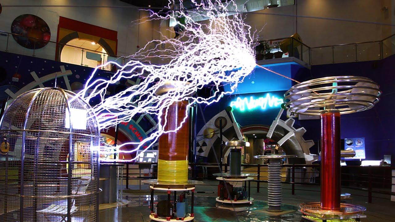 Singapore Science Centre Big Musical Tesla Coil 2015