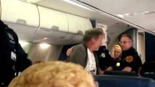 Passenger Removal from Southwest Flight 1552 4/18/09