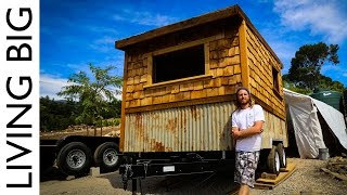 Ryan O'Donnell is a builder with a difference. He is constructing tiny houses on wheels out of a mobile, solar-powered tiny house workshop that enables him to ...