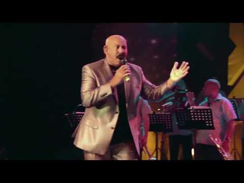 Oscar D'León - Sonero (Yo Soy La Salsa)