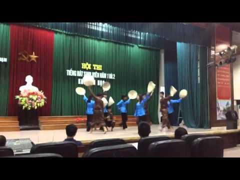 Múa nón: Thương quá Việt Nam (Lớp Tin 2b)