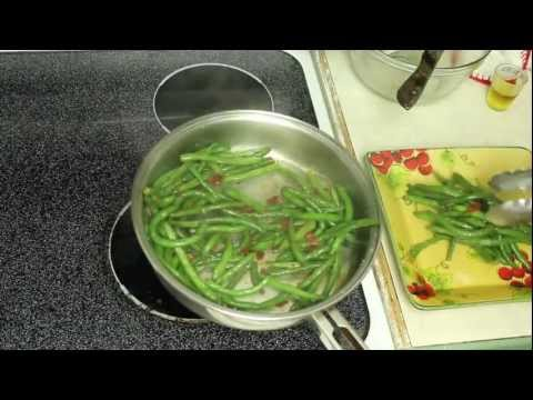 Turkey Bacon Green Beans- Quick & Easy Thanksgiving Side