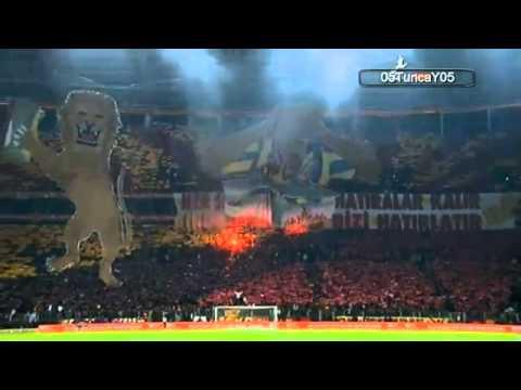 Galatasaray 2-1 Fenerbahce Koreografi Fener Aglama ve Sereftir .mp4