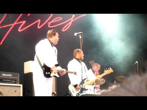 The Hives - Main Offender (Live at Sonisphere Hultsfred, 07/18/09)