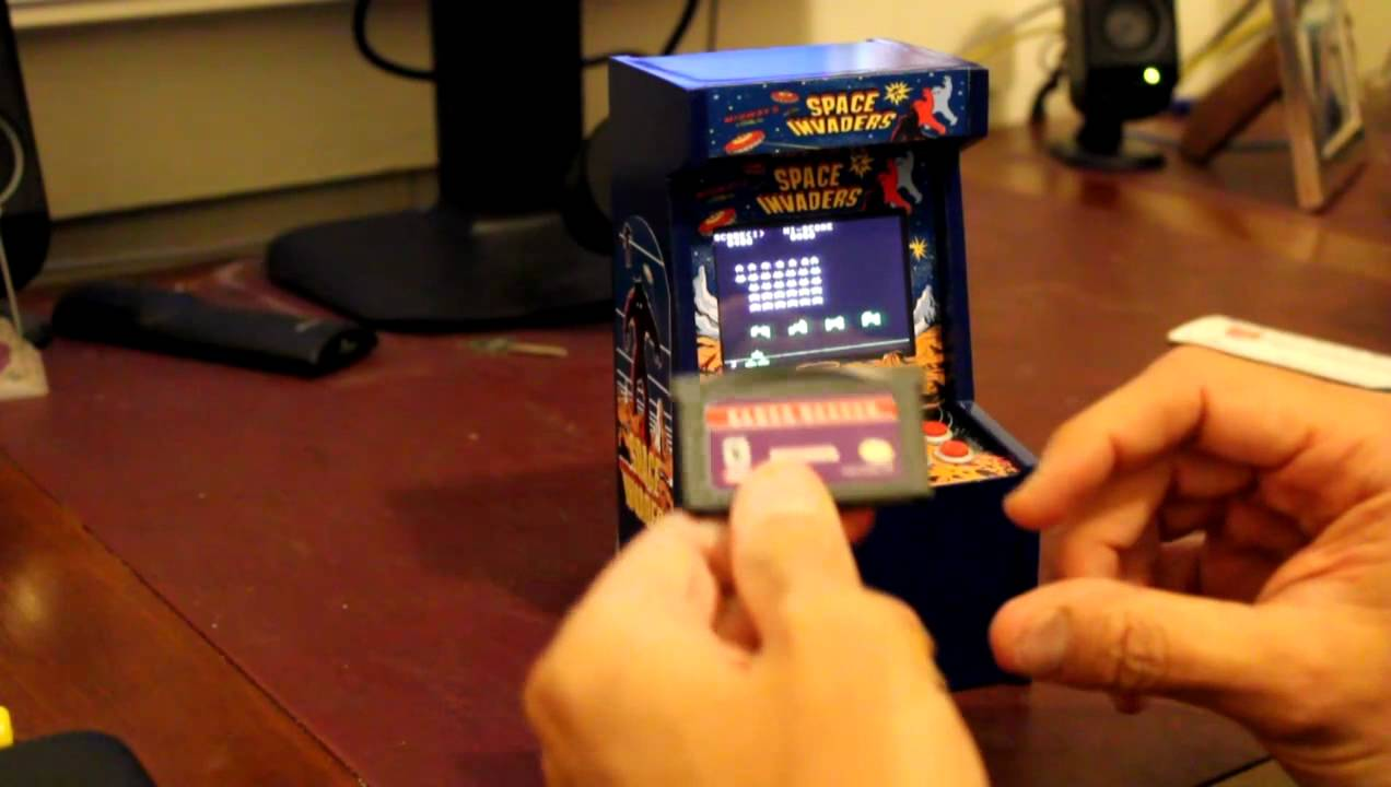 Worlds smallest Space Invaders arcade machine (maybe) - YouTube