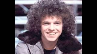 Watch Leo Sayer Oh Wot A Life video