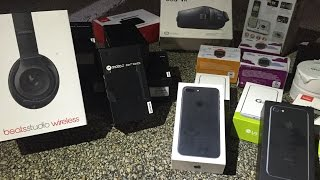 Dumpster Diving Phone Store! Found Beats, IPhone 7, and More Phones? thumbnail