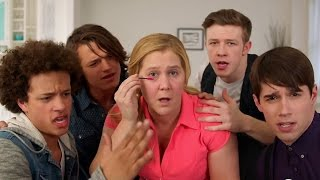 Amy Schumer Parodies One Direction's ''What Makes You Beautiful''