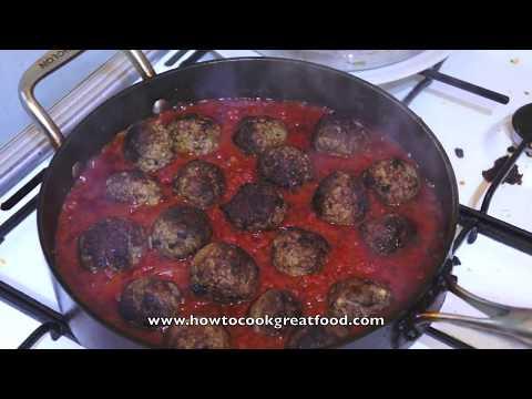 Classic Italian Meatballs Tomato Sauce & Spaghetti Recipe