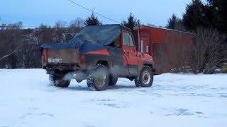 Демонстрация роли давления в шинах  Уаз по снегу на стравленных колесах