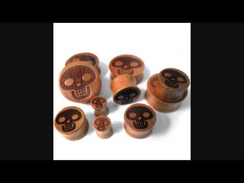 Skull Engraved Wood Plugs (0G - 1 Inch)