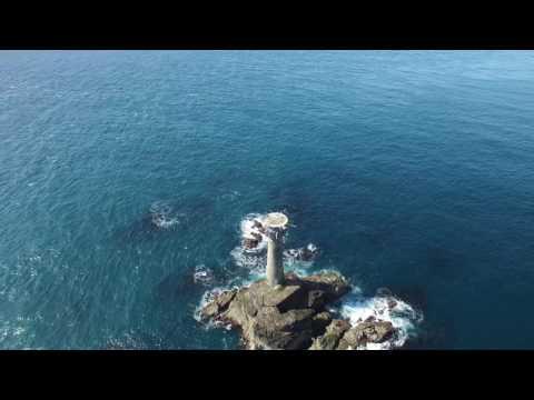 Lands End cliffs shipwreck and lighthouse, April 2017, P3P 4K