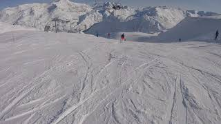 Skiing from the top of the Grattalu lift down to the Grand Huit lift. December 2018